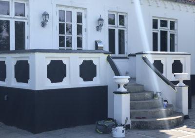 Udsmykning af facade på hus